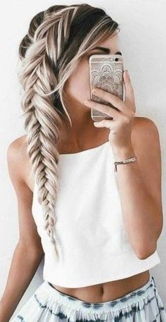 Terrific side braid on long blonde hair - Frisuren - Your HairStyle Pretty Hairstyles, Easy Hairstyles, Hairstyle Ideas, Long Braided Hairstyles, Hair Ideas, Hairstyles For Thick Hair, Grad Hairstyles, Fringe Hairstyle, Fishtail Braid Hairstyles