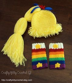 Crochet Rainbow Brite-Inspired Hat and by craftykittycrochet Source by zodiacdaisy Sets Crochet Kids Hats, Crochet Bebe, Cute Crochet, Crochet Crafts, Crochet Projects, Knit Crochet, Crocheted Hats, Crochet Halloween Costume, Crochet Costumes