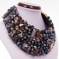 Foxi - Colier statement handmade, confectionat folosind multe cristale multicolore de diferite forme, dimensiuni si culori. O alegere excelenta pentru o femeie increzatoare! Comenzi pe www.boemo.ro