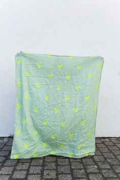 "Image of linen throw ""Sam neon"""