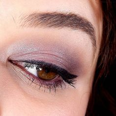 Classic rose eyeshadow and purple liner for a romantic, but decisive look, just like @godfrina. http://www.kikocosmetics.com/it-it/kikotrendsetters/gallery.html#opi2246032447