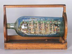 BATEAU-BOUTEILLE diorama figurant un cinq-mâts barque le long de la Côte. Avec son support. Fin du XIXe-début XXe siècle.