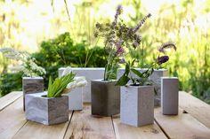 VillarteDesign Artesanato: Como fazer vasos de concreto com caixas de papelão, latas, baldes e copos plásticos para decoração de seu jardim