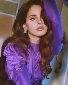 Lana del Rey is beauty icon Strawberry Blonde, Estilo Zendaya, Pretty People, Beautiful People, Beautiful Celebrities, Art Chicano, Chicano Tattoos, Photowall Ideas, Tattoos Realistic