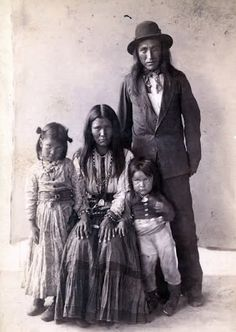 Kaytennae (Warm Springs) with his wife, Gouyen (Mescalero), and their children - Apache - no date