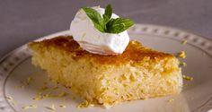 Συνταγή για λεμονόπιτα από τον Άκη Πετρετζίκη. Φτιάξτε την πιο υπέροχη και ζουμερή λεμονόπιτα και θα μοσχομυρίσει όλο το σπίτι! Φτιάξτε την αμέσως