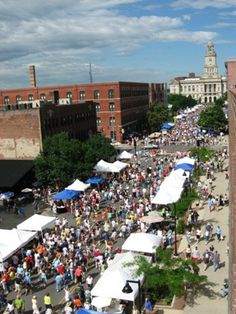 Des Moines, Iowa downtown farmers market. Great way to spend a Saturday morning!