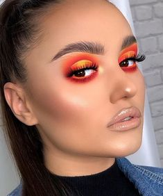 🧡Ce make-up on adore 💛 ! Un peu de soleil ou de coucher de soleil dans ces vibes ! - 🧡Ce make-up on adore 💛 ! Un peu de soleil ou de coucher de soleil dans ces vibes ! Makeup Eye Looks, Creative Makeup Looks, Cute Makeup, Glam Makeup, Gorgeous Makeup, Pretty Makeup, Skin Makeup, Makeup Brushes, Orange Eye Makeup