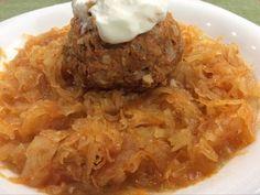 Mennyei húsgombócok savanyú káposztával One Pot Meals, Main Dishes, Grains, Paleo, Rice, Meat, Chicken, Recipes, Food