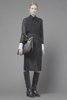 See the complete Valentino Pre-Fall 2013 collection.