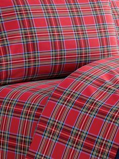 Our plaid percale sheet set are made in Portugal just for us, like all our open stock sheets, for soft yet crisp smoothness in pretty plaid for a custom look. Red Sheets, Cotton Sheets, Flat Sheets, Fitted Sheets, Southern Christmas, Plaid Christmas, Style Anglais, Plaid Bedding, Percale Sheets