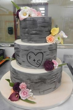 Initials etched into bark-inspired 3-tier