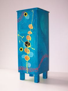Telefonkommode by Mareike Scharmer, via Flickr