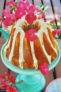 Bundt Cake de mango y fruta de la pasión