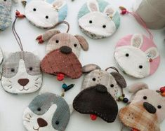 keychains Little dogs / cow / cats / monkey / rabbit / by Moetaya Dogs Items similar to keychains Little dogs / cow / cats / monkey / rabbit / bear key cover on Etsy Felt Crafts, Fabric Crafts, Sewing Crafts, Sewing Projects, Diy Crafts For Kids, Crafts To Sell, Cow Cat, Felt Bookmark, Animal Bag