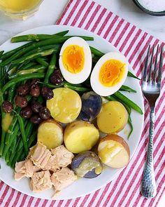 30. Easy Salad Niçoise #beginner #dinner #recipes http://greatist.com/eat/healthy-dinner-recipes-for-beginners