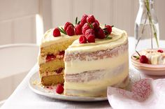 Raspberry and white chocolate 'naked' cake - Eat Healthy : Eat Healthy
