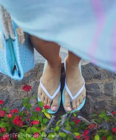 White and turquoise flipflops by Alehop for Girl Life in Tenerife