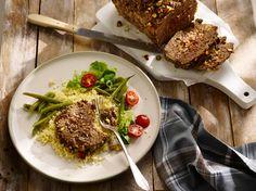 Gehaktbrood met rijst en pistachenootjes. #gehakt #rijst #nootjes #smakelijk #bosto Ras El Hanout, Couscous, Olives, Risotto, Dinner Recipes, Pork, Meat, Ethnic Recipes, Inspiration