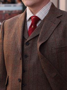 the three piece suit #manresume #fall