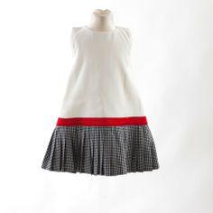 ◈ Vestido sem manga, com corpo em seda branca e saia com pregas de algodão de cor preto e branco com faixa vermelha. ◈ [Composição: exterior - parte de cima: 100% seda * exterior - saia: 100% algodão * faixa: 100% poliéster * forro: 100% viscose] - [Tamanho kids: 2 * 4 * 6 * 8 * 10] Kids Fashion, Exterior, Manga, Summer Dresses, Baby, Red Band, White Silk, Sew, Black White