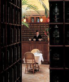 Mariage Frères,  rue du Bourg Tibourg, Cette boutique sent tellement bon ! le plus grand choix de thé et un salon de thé très agréable