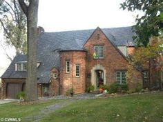 Love Tudor houses