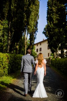 The Cypress Alley to Villa Gambassi - Wedding in Tuscany | Tuscan Dreams
