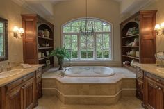 love the shelves on both sides of tub