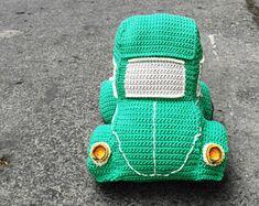 Pattern Beetle car amigurumi. By Caloca Crochet