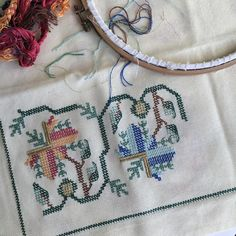 the the Umeda Embroidery Patterns Free, Cross Stitch Embroidery, Hand Embroidery, Knitting Patterns, Turkish Fashion, Bargello, Needlepoint, Fabric Crafts, Needlework