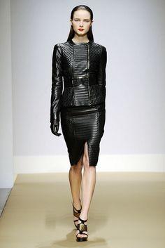 Gianfranco Ferré Fall 2010 Ready-to-Wear Fashion Show - Anna de Rijk