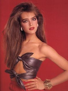 Brooke Shields by Francesco Scavullo for Cosmopolitan, 1981. I tried for this look all thru high school
