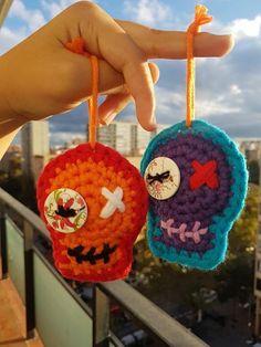 Crochet Fall, Love Crochet, Knit Crochet, Crochet Skull Patterns, Halloween Crochet Patterns, Yarn Projects, Crochet Projects, Sugar Scull, Knit Art