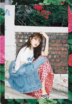 Lee Sung Kyung Shows Her Quirky Side In June Grazia | Couch Kimchi