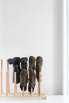 Be Creative How to Make An (Easy!) Wooden Shoe Rack — Apartment Therapy Tutorials Brand name clothin Diy Shoe Storage, Diy Shoe Rack, Storage Ideas, Wardrobe Organisation, Organization Hacks, Organizing, Wooden Shoe Racks, Boot Rack, Shoes Too Big