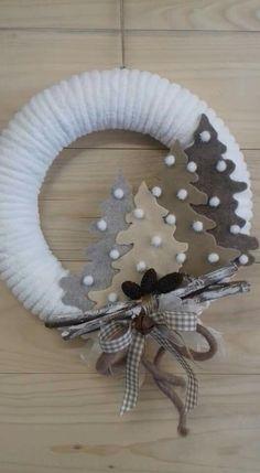 Pin on laser Pin on laser Wreath Crafts, Diy Christmas Ornaments, Homemade Christmas, Christmas Projects, Holiday Crafts, All Things Christmas, Christmas Holidays, Xmas Wreaths, Xmas Decorations