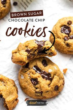 A cookie stacked on another cookie with a bite missing. No Bake Cookies, Yummy Cookies, Cookies Et Biscuits, Chewy Chocolate Chip Cookies, Melting Chocolate, Cookie Desserts, Dessert Recipes, Cookies Without Brown Sugar, 310 Nutrition Shake
