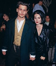 """Los Angeles, California, USA --- Actor Johnny Depp and actress Winona Ryder arrive at the premiere of """"Edward Scissorhands"""". This photo appears on page 89 in Frank Trapper's RED CARPET book. Johnny Depp Winona Ryder, Young Johnny Depp, Winona Ryder Style, Viejo Hollywood, Hollywood California, California Usa, Style Outfits, Grunge Outfits, Spice Girls"""
