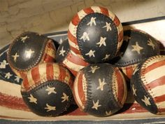 LOVE these patriotic baseball decorating bits!