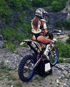 Lady Biker, Biker Girl, Trail Moto, Motard Sexy, Motocross Girls, Chicks On Bikes, Moto Cross, Dirt Bike Girl, Motorbike Girl