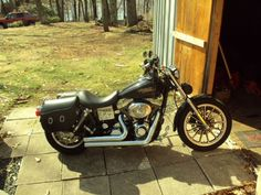 2005 Harley-Davidson DYNA LOW RIDER Classic , black, 10,300 miles for sale in Worcester, MA http://www.boatsandcycles.com/motorcycles-for-sale/2005-harley-davidson-dyna-low-rider-1308.asp