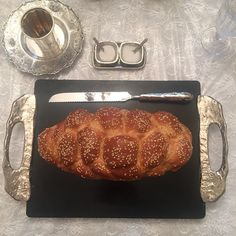 The marble Lava Challah Board and knife set is back in stock now. Comes with a matching bread basket and saltcellar. Available at your better retail and Judaica stores. #Godinger #giftstore #gift #judaica #challahboard #challah #saltcellar #breadbasket #shabbat #greatgift #shabbatshalom judaicastore #boutiquestore #highend #marble #setyourtable #stunning