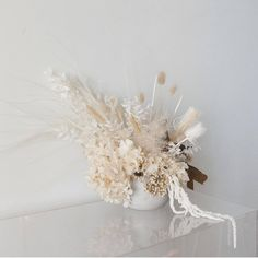 Fluffy textural blooms in romanic tones . By - by Bridal Jewellery Modern Bridal Jewellery, Bridal Jewelry, Table Flowers, Flower Vases, Floral Wedding, Wedding Flowers, Fleurs Diy, Modern Flower Arrangements, Flower Aesthetic