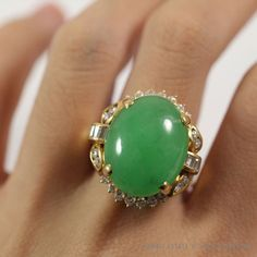 See more #vintage #jewelry #vintagejewelry on our website (link in bio!) Jade Apple Green Cabochon Diamond 18K Yellow Gold Ring. #Natural #Jade #ring #diamond #diamonds #yellowgold