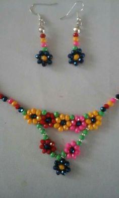 Seed Bead Earrings, Beaded Earrings, Beaded Bracelets, Flower Earrings, Beaded Jewelry Patterns, Beading Patterns, Bracelet Crafts, Jewelry Crafts, Hanging Beads