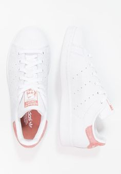 adidas Originals STAN SMITH - Trainers - footwear white/raw pink for Free delivery for orders over Loafers Outfit, Gucci Loafers, Sock Shoes, Shoe Boots, Stan Smith Trainers, Baskets, Fresh Shoes, Adidas Outfit, White Shoes