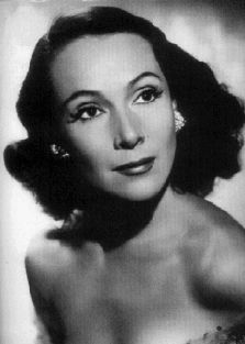 Dolores del Río  Dolores del Río was a Mexican actress who was the first major female Latin American crossover star in Hollywood, with a career in American films in the 1920s and 1930s
