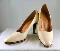MR SEYMOUR Ivory Patent Leather Heels Size 8 AAA 8 by KatsCache, $39.95
