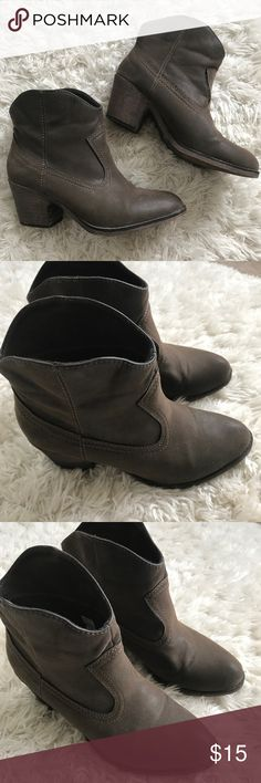 Rocket Dog Boots Great condition, only worn twice, easy pull-on booties Shoes Ankle Boots & Booties